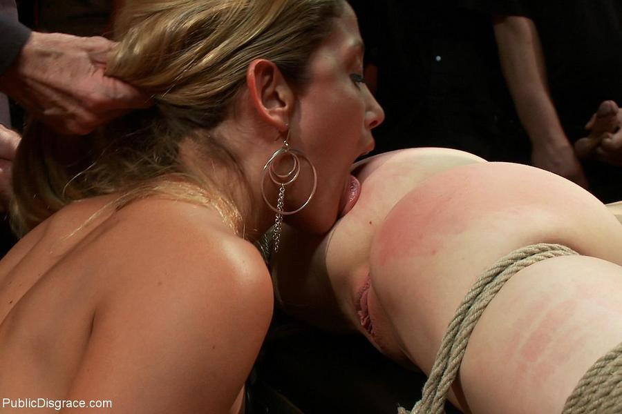 Смотреть порно бесплатно бдсм на публике 27 фотография
