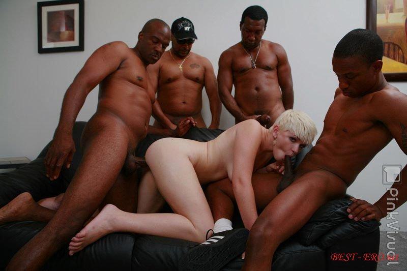 Порно негры и блондинки групповушка фото 759-622