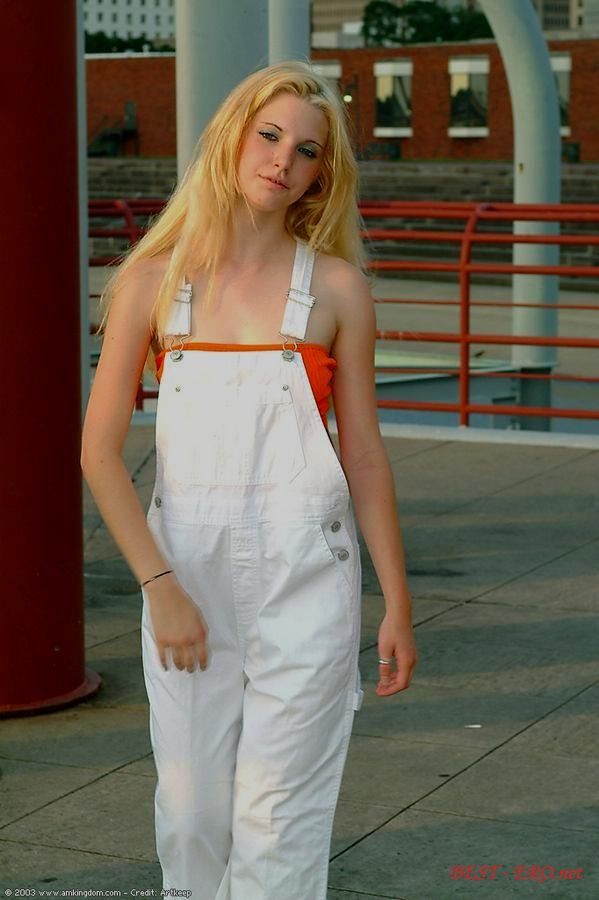 Фото голых русских девушек бреющих пизду 21 фотография