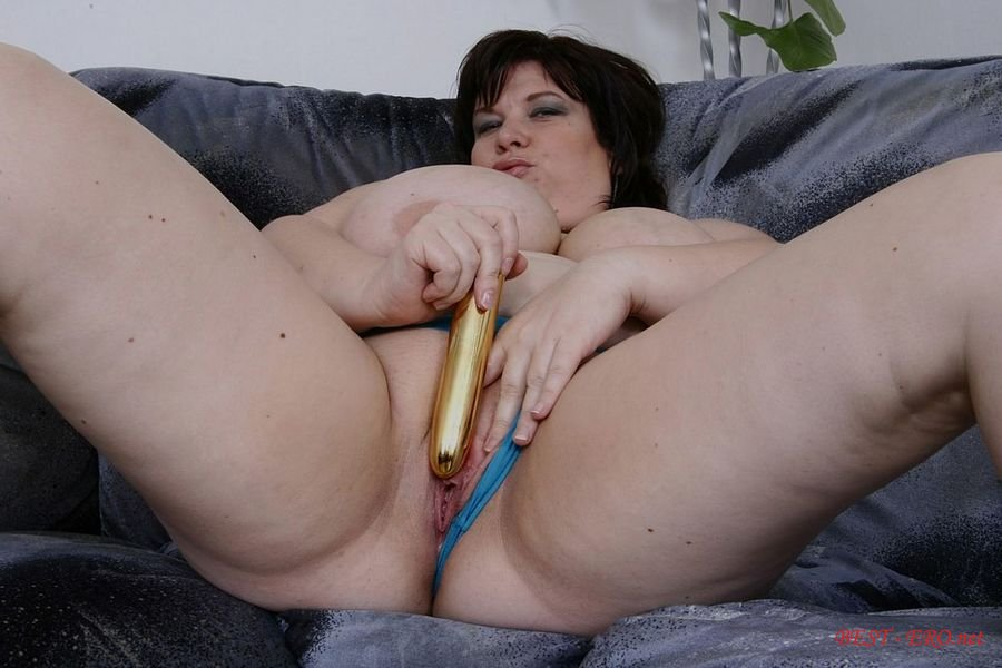 жирные бабы мастурбируют
