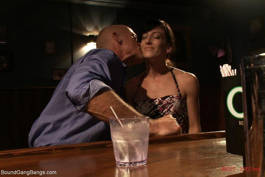 Иголки в тело порно