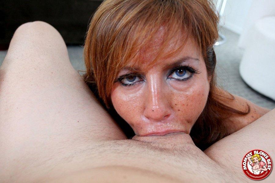 порно мама сосет и глотает
