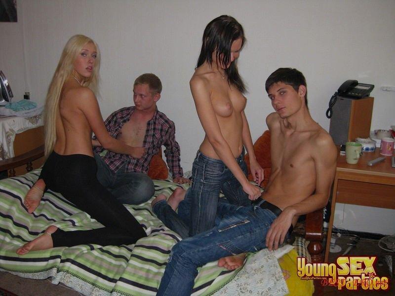Секс семеиных пар 11 фотография