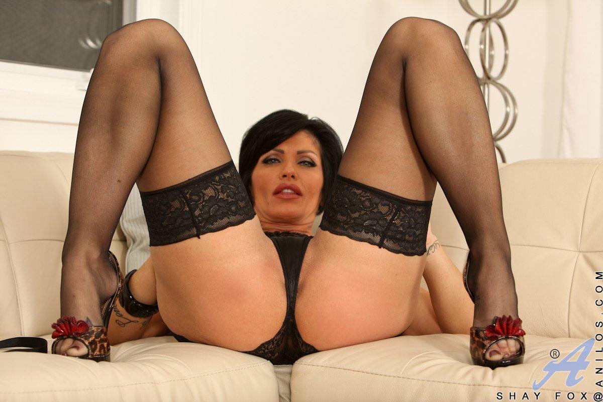 ступни ног зрелой женщины в колготках порно