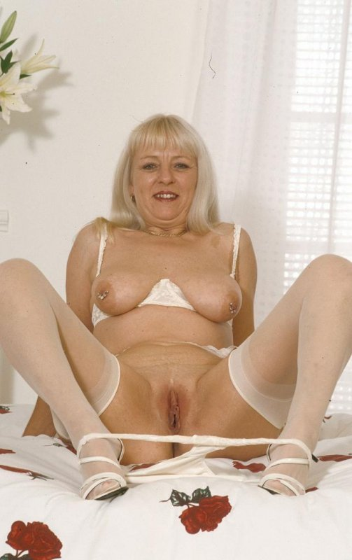 Порно с зрелами старушками фото 411-519