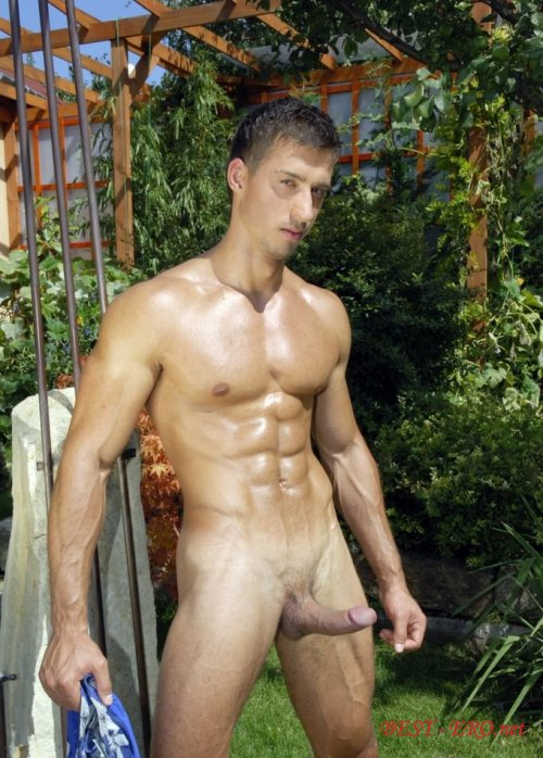 Смотреть онлайн фото голых парней с длинными хуями 18 фотография