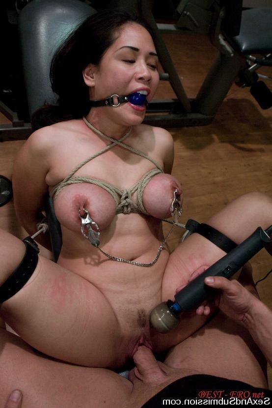 Издевательства над грудью бдсм видео