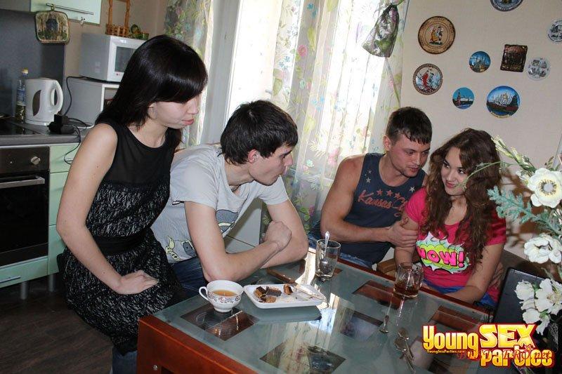 Русское общежитие секс онлайн 14 фотография