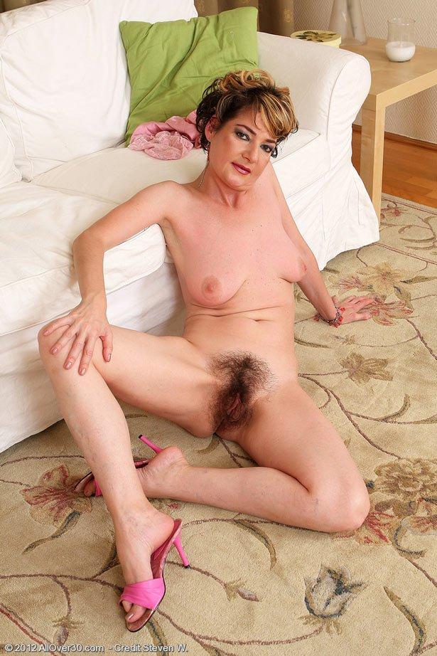 Порно зрелые волосатые смотреть онлайн 26 фотография