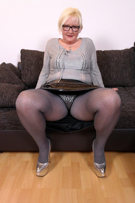 секс фото бабушек в ласинах