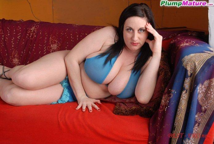 Фото голые женщины с толстыми аппетитными ножками