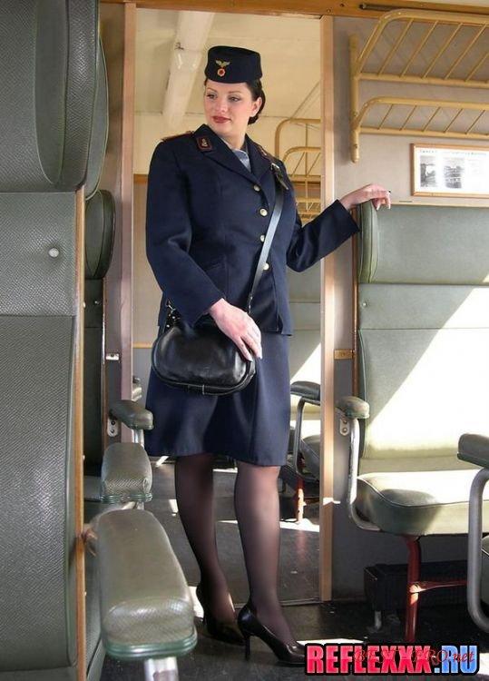 Частное порно с проводницами в поезде 15 фотография