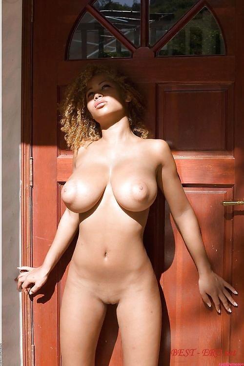 Спермопоедательницы - Толстожопая Блондинка Лекси Лас Обсасывает Хуй И Долбится В Порванную Сраку С