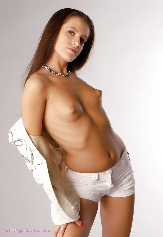 Эротические фото девушек с длинными сосками 28 фотография