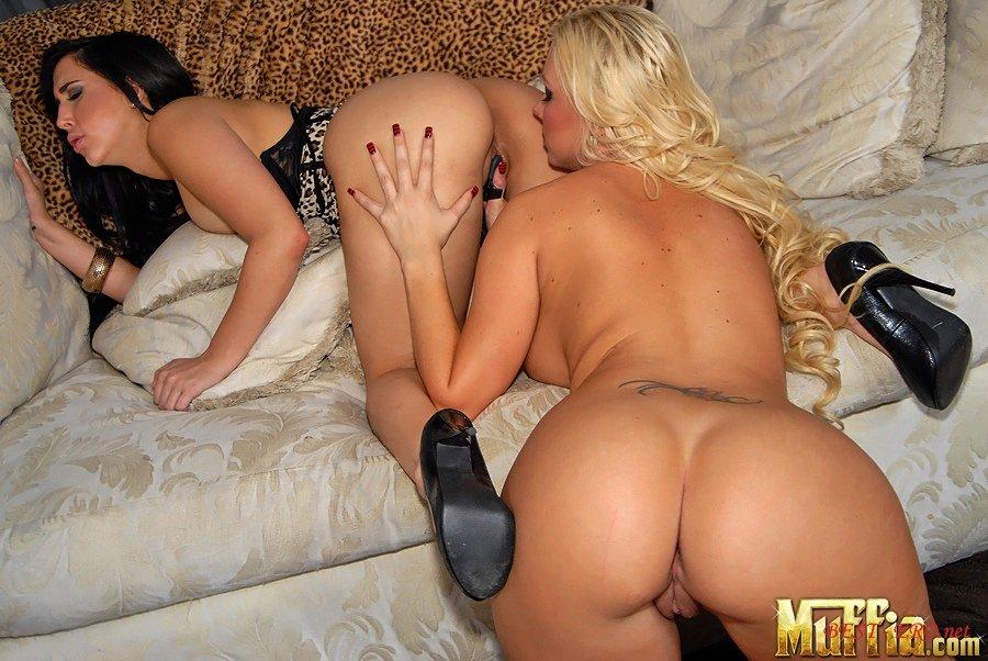 Лесбийское порно зрелых дам фото 157-675