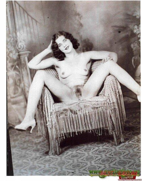 Эротические фото ретро повилых женщин 12 фотография