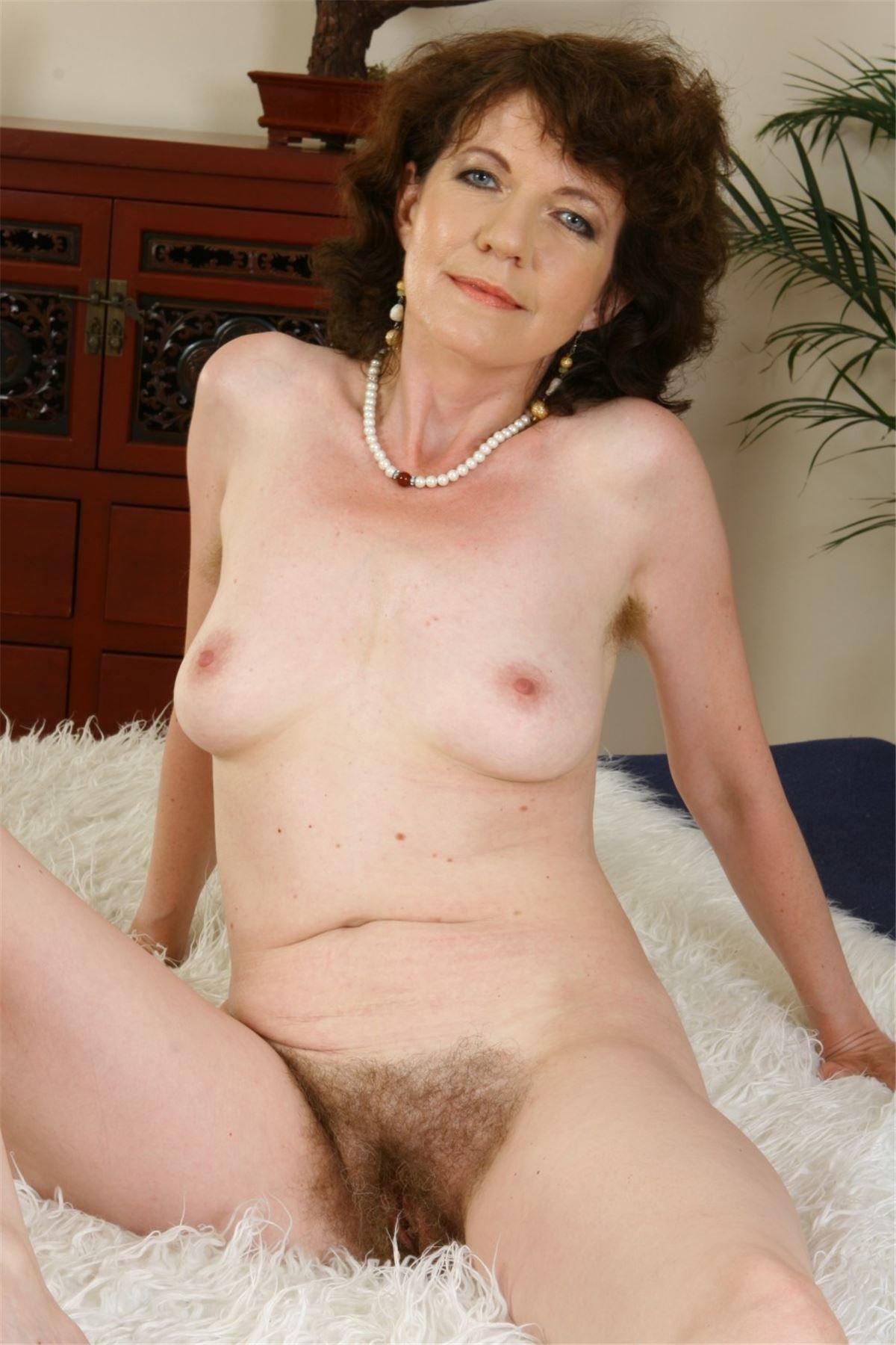 Секс зрелыми тётками 29 фотография