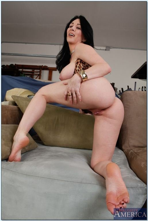 porno-bolshie-chleni-v-masturbatorah