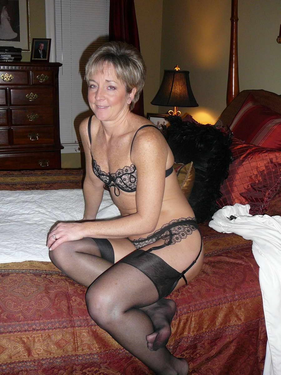 Любительское порно женщин пенсионерок в нижнем белье фото 504-537