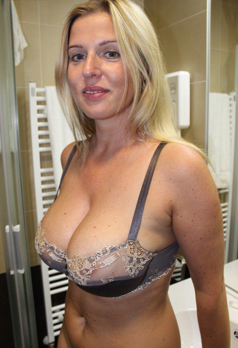Смотреть онлайн порно мамы в белье 3 фотография