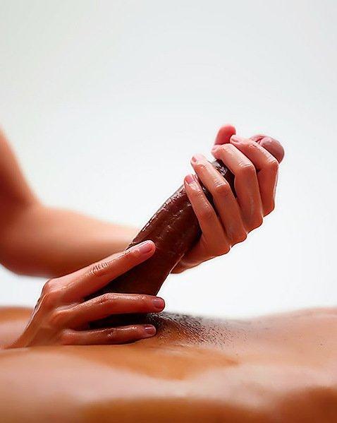 дрочат член женские руки фото