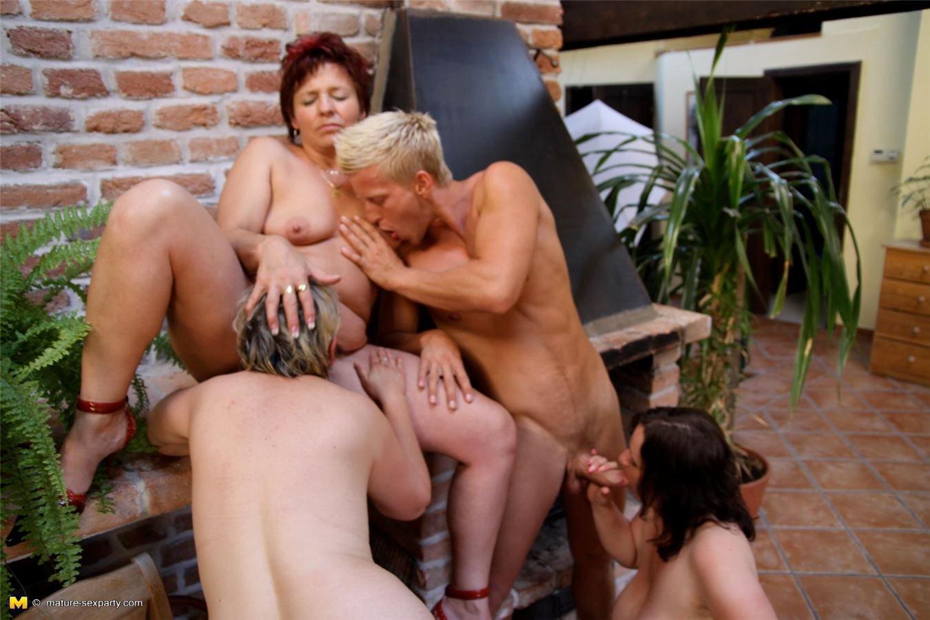 Сексс пожелыми беспл фото 723-651
