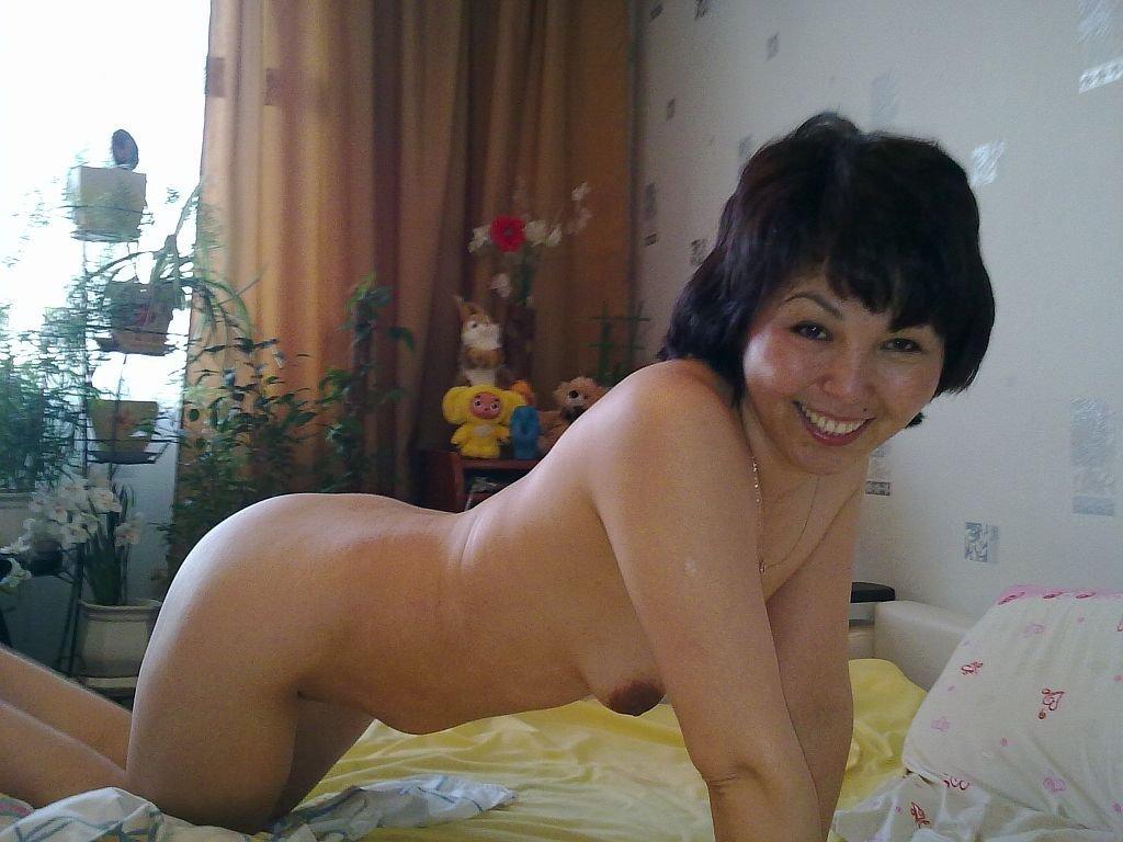 Самые красивые казашки голые 21 фотография