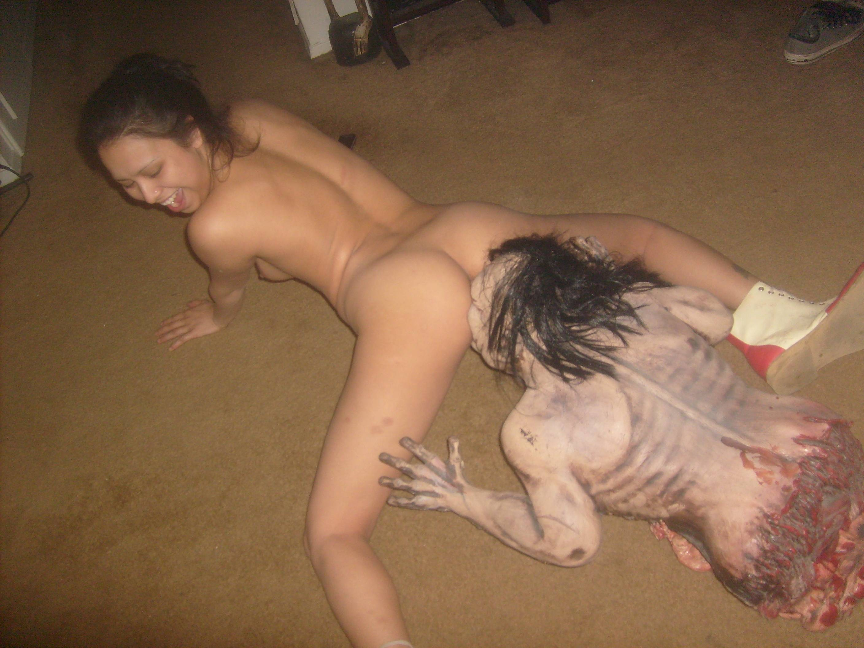 Zombie xxx with woman mp adult pic