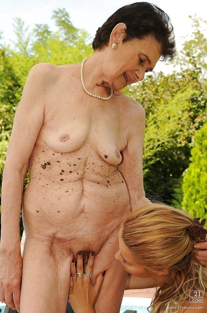 Порно фото со зрелыми голые матюрки  Страница 15