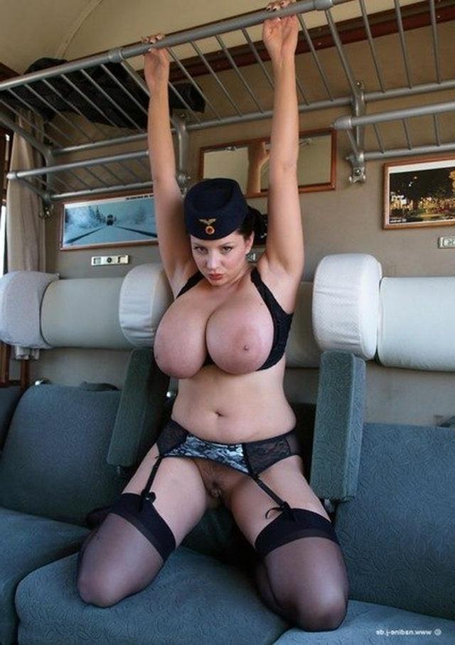 Частное порно с проводницами в поезде 24 фотография