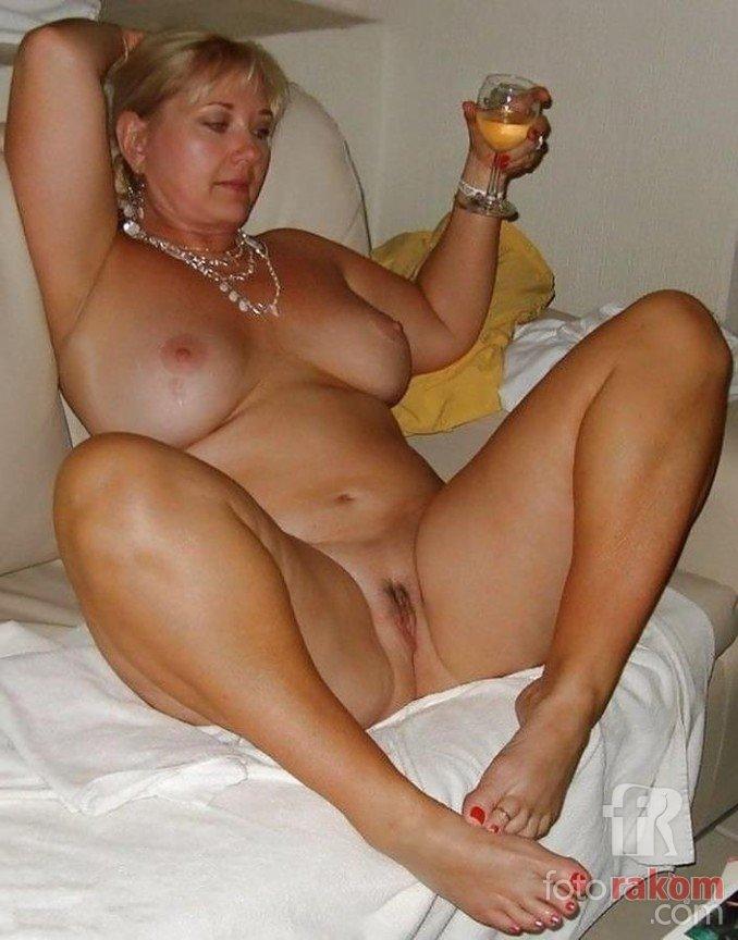 Голые дамы в сексе фото