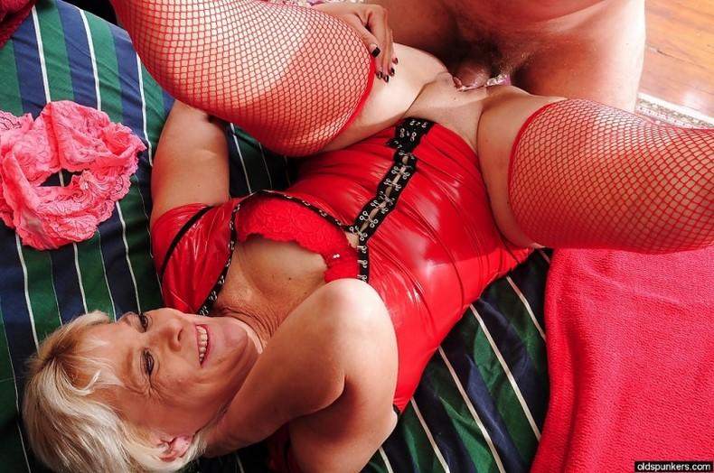Волосатая киска фото  wwwkissru