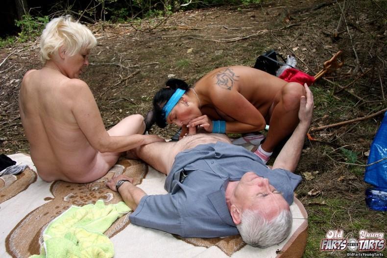 порно рассказы пикник в лесу