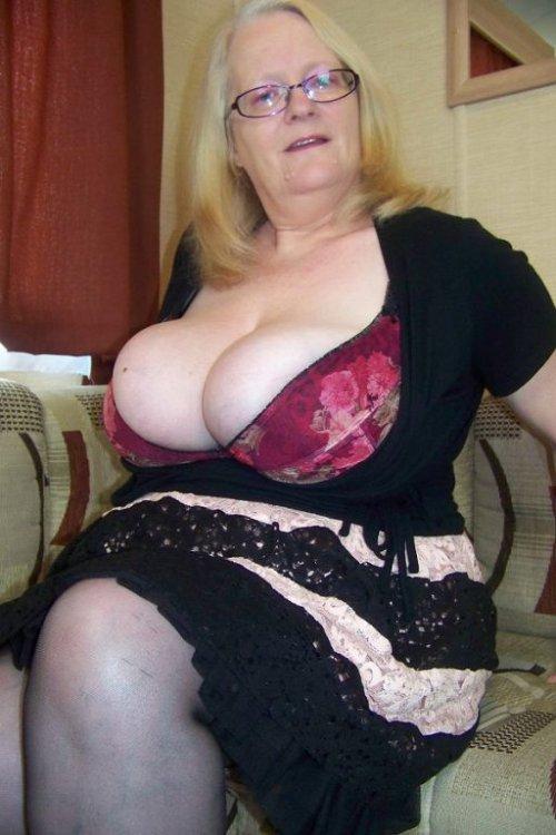 порно фото старушек из бразилии толстопопых
