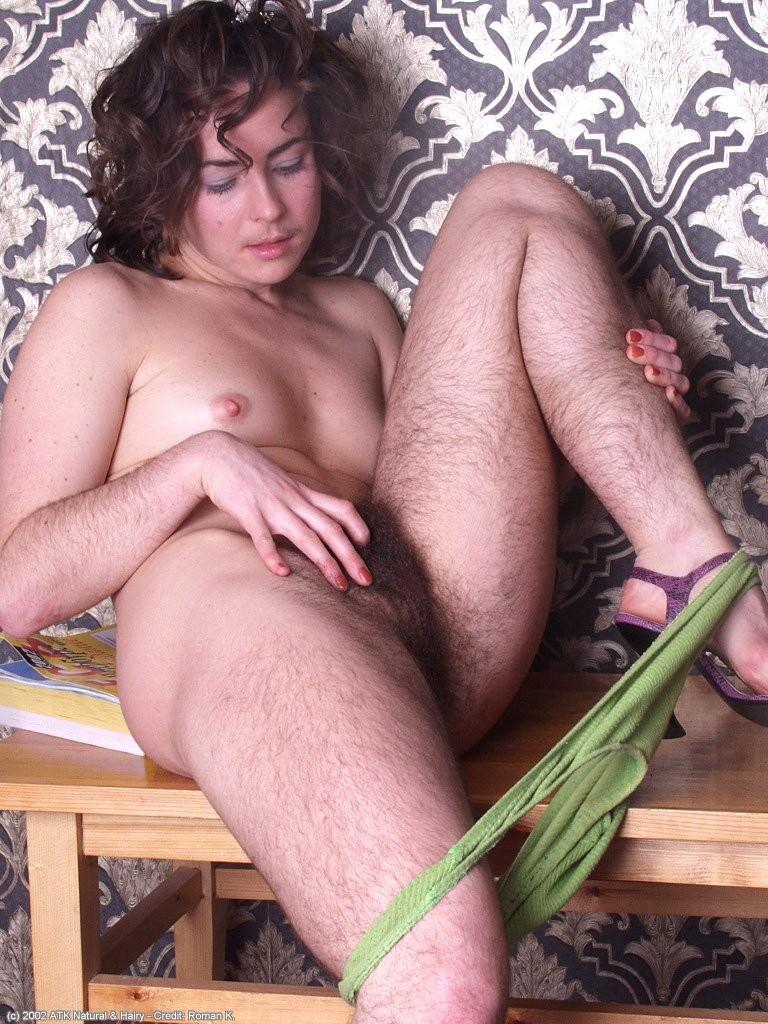 волосатые ноги голых женщин фото